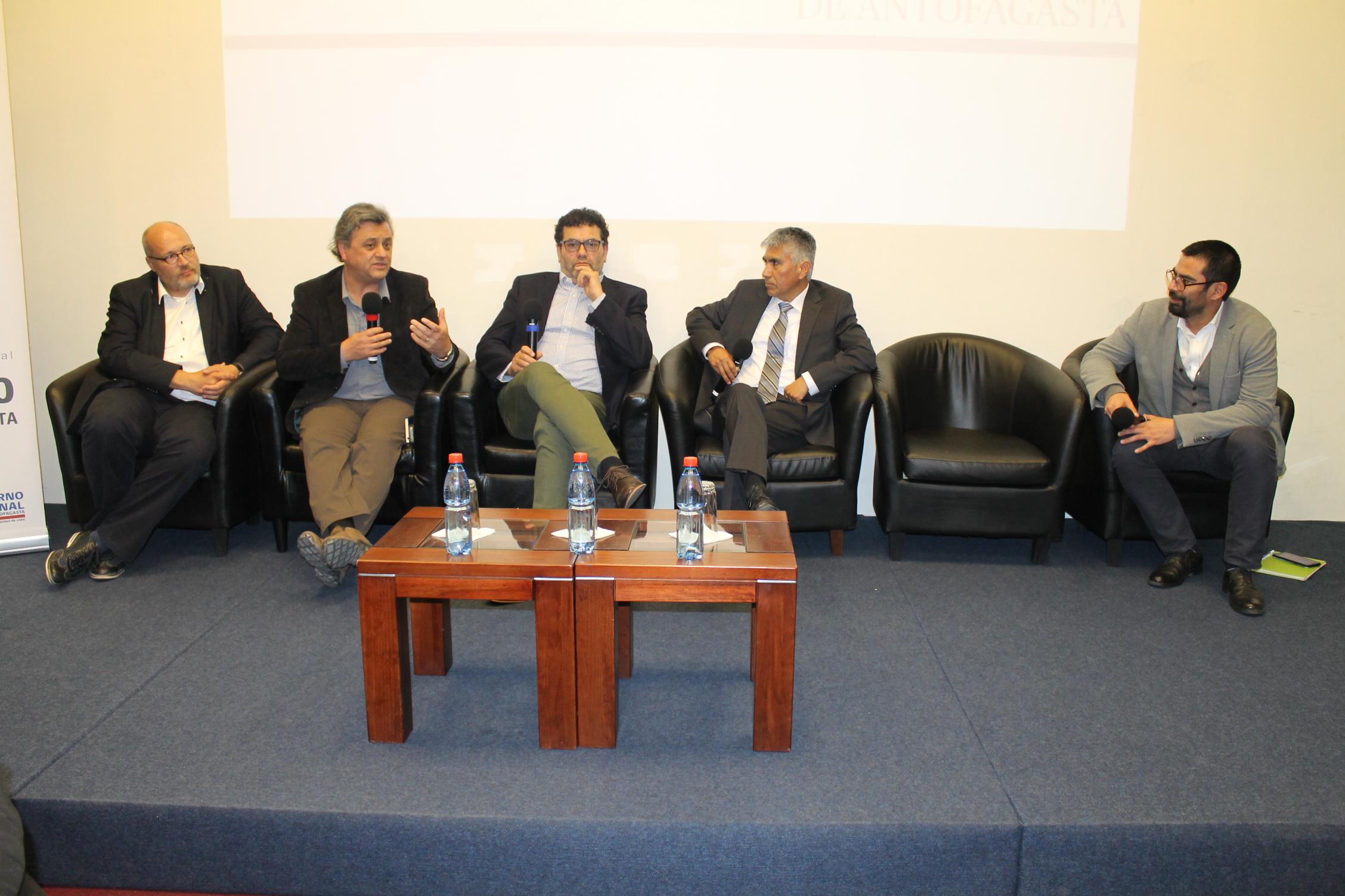 Expertos en Energías No Renovables y eficiencia energética expusieron en seminario